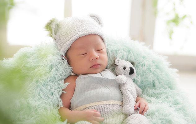 新生児用のかわいい衣装